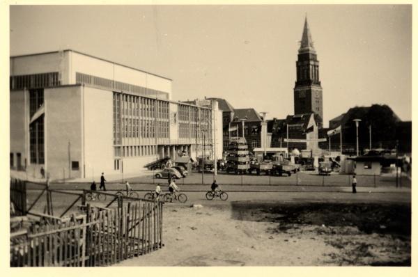 OstseehalleKiel_1951_003