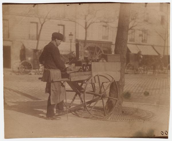 atget_eugene_Boulevard_Montparnasse