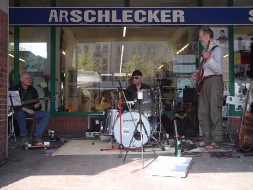 Das Alo Trio auf dem Vinetaplatz  (2013)
